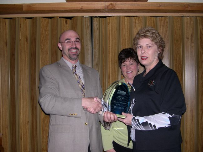 2010_Employee_of_the_Year_Shirley_Roberson